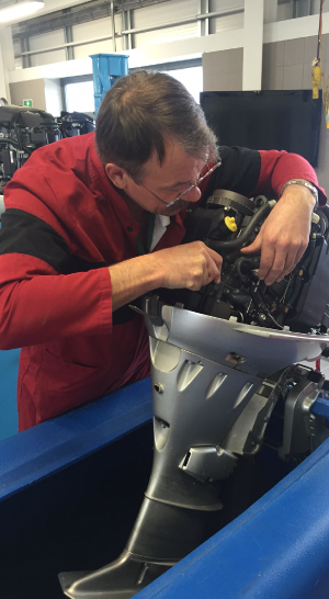 Professional engine servicing and repairs Farndon Marina